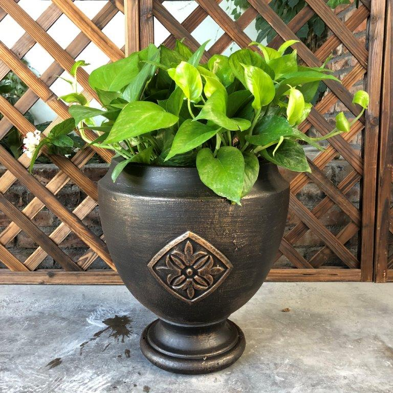 DurX-litecrete Lightweight Concrete Medallion Footed Bronze Planter