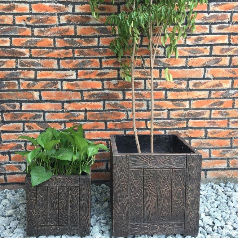DurX-litecrete Lightweight Concrete Wood Grain Cube Brown Planter - Set of 2
