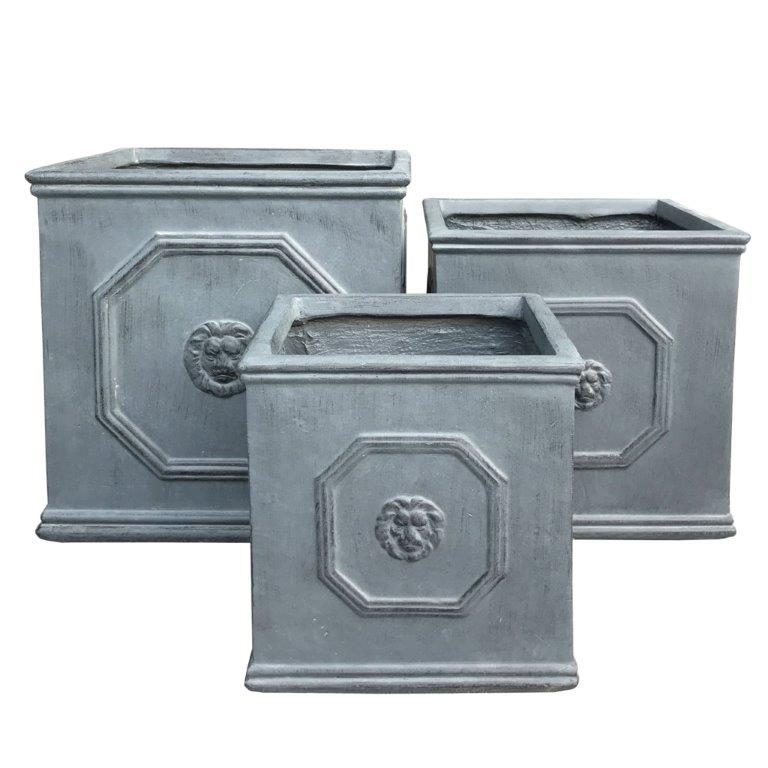 DurX-litecrete Lightweight Concrete Lion Head Square Antique Rust Planter